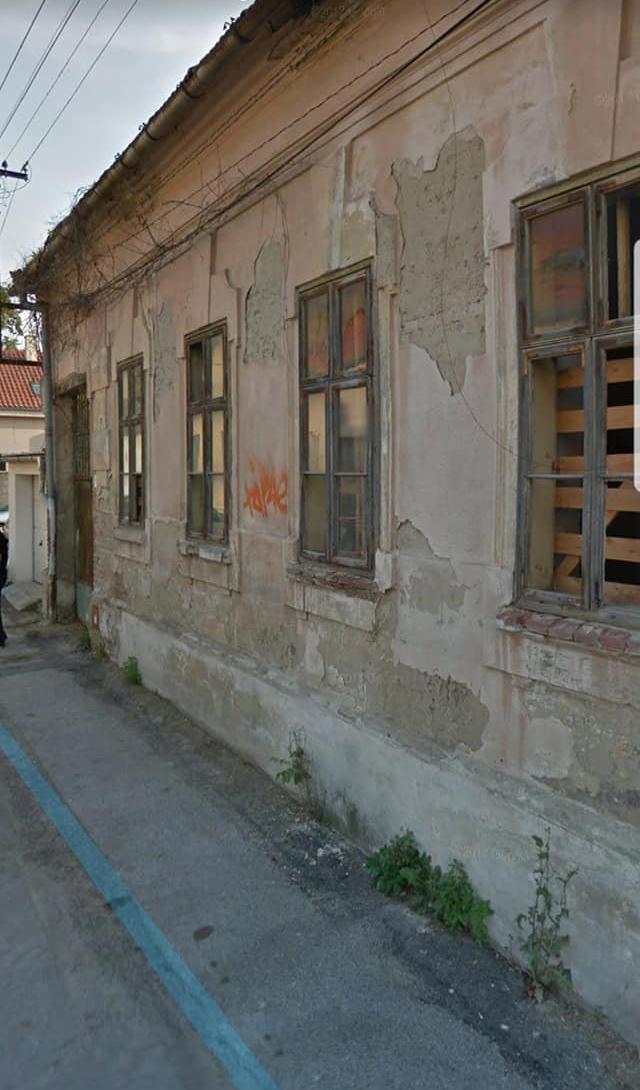 ARTISAN - Reštaurovanie fasády v Nitre - Párovciach